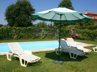 Santa Maria a Monte Villa Sleeps 12 with Pool and WiFi - 5490572