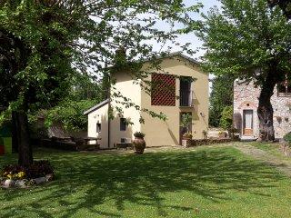 Appartamento con piscina e giardino in agriturismo a 8 km dal centro di Firenze