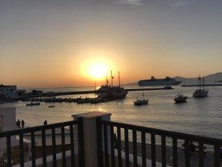 Pnoe Seafront Residence Mykonos