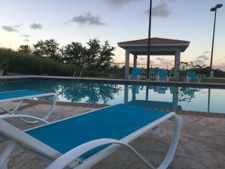 BEST RATE! BY BEACH! BEST VIEW - 3bd, 2bth, Pool