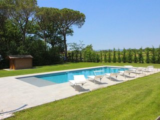 8 bedroom Villa in Ranco di Frassineto, Tuscany, Italy : ref 5490590