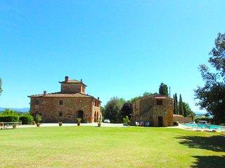 6 bedroom Villa in Lucignano, Tuscany, Italy : ref 5490331