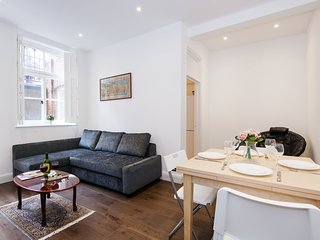 Lovely Collingham Gardens Apartment - DA01