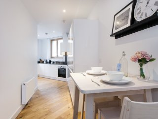 The Shalfleet Drive Apartment - ATN