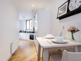 The Shalfleet Drive Apartment - ATN