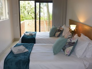 GinaZ Bnb - Bedroom 3, casa vacanza a Salt Rock