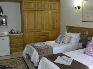 GinaZ Bnb - Bedroom 2