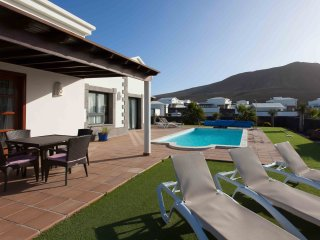 Villa Los Dragos with private pool, see views, gamesroom with pool table and BBQ