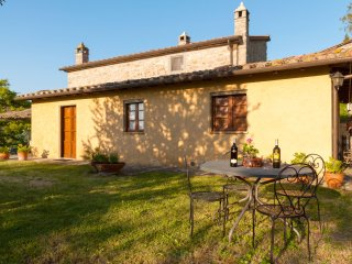 4 bedroom Villa in Cortona, Tuscany, Italy : ref 5490533
