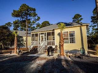 Cute Cottage~Beach Access~Saltwater Pools~Call or book online today!!!