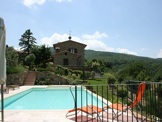 2 bedroom Villa in Cortona, Tuscany, Italy : ref 5490566