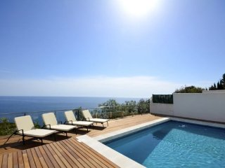 Begur Villa Sleeps 8 with Pool and WiFi - 5313755