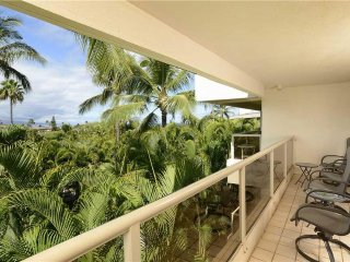 Maui Banyan T-305 - Ocean View Beach Condo for 8 - Condo