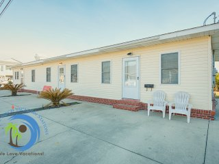 Cherry Grove Beach Bungalow #3 ! 100 yards to the Beach! Pet Friendly!