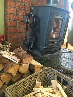 Wood burning stove - very cosy!