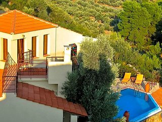 Megali Ammos Villa Sleeps 3 with Pool and Air Con - 5576444