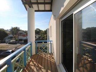 Studio rénové dans résidence avec piscine proche de la plage