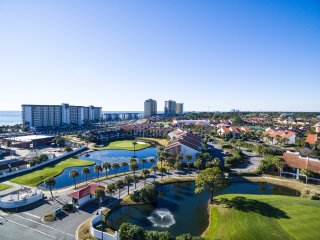 Condo, 3 Bedrooms, 3 Baths, (Sleeps 8) On the Beach. Resort has many amenities!!