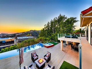 4TH OF JULY OPEN - Luxury House in the Hills, Private Pool, Amazing Views