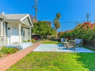 Studio City Cozy 2BR Home By Universal