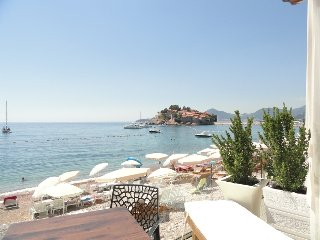 Luxury studio apartment for 2 on the sea foam, Sveti Stefan #2