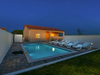 Holiday home  Vanessa with pool  Zadar   6 pax