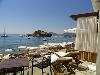 Luxury studio apartment on the sea foam for 4 persons, Sveti Stefan #3