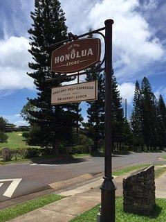 Shopping e un'ottima selezione di vini presso il Honolua Store