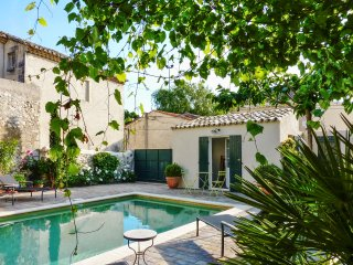 Stunning Provençal house with pool