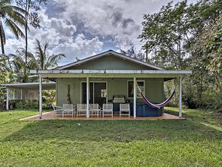 Pahoa Home w/ Hot Tub Near Warming Ponds!