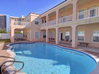 20% OFF,3 HOUSES TO THE BEACH,7BD/6BA-PRIVATE HEATED SWIM.POOL/SPA,BILLIARD,WIFI