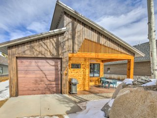 NEW! 3BR Cabin Steps from the Shores of Grand Lake