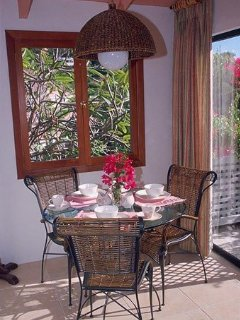 The dining nook – a great spot to start the day with your morning cup of coffee