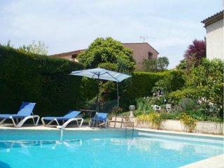 First floor Villa w/ swimming-pool