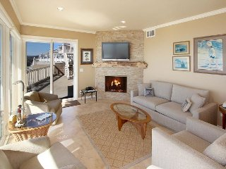 Beachfront 2BR/2BA w/ Pool, Private Patio & 180-Degree View of Monterey Bay