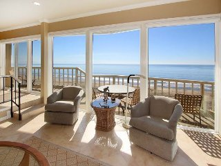 Beachfront 2BR/2BA w/ Pool, Private Patio & 180-Degree View of Monterey Bay