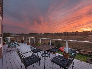 Upscale Riverside 2BR w/ Deck & Sunroom - Estuary Views, Walk to Beach