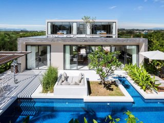 PERFECT LUXURIOUS VILLA FOR A LUXURY VACATION