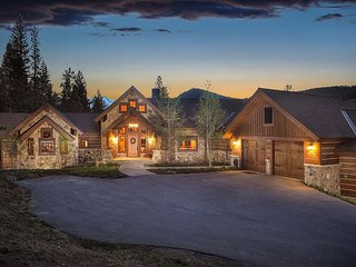 Captivating mountain vistas in a serene location near Breck Golf Club