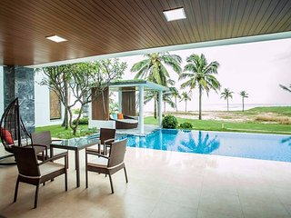 V8-THE MOST LUXURY-BEACHFRONT VILLA FOR VACATION