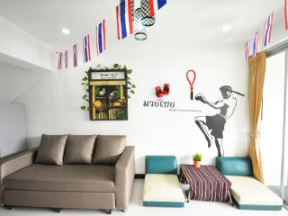 Muay Thai apt in center for 5 people near Lumpini MRT (2beds,2 baths,1 sofa bed