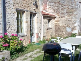 Traditional farmhouse 'gite' w/WiFi