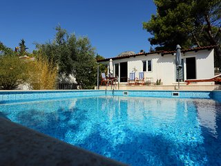 Villa with a pool for rent, Bol, Brac