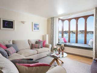 Morning Tide - a modern 3 bedroom ground floor apartment with stunning sea views