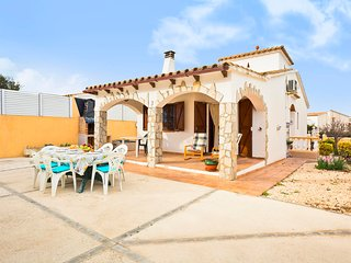 Holiday home 600m from the beach