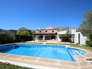 Pollensa, La Font  Villa & Pool, WALKING DISTANCE to town, 4 beds, WIFI