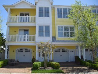 NORTH WILDWOOD - Luxury Vacation Rental 1609 (Unit 1)- 1 Block to BEACH