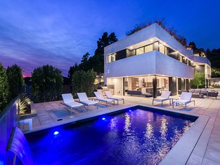 Modern + Luxurious Home in Bel Air near the 405
