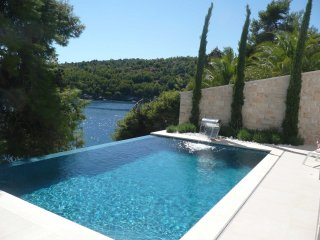 Villa Bliss Selca – Five stars sea front pool villa in Selca, Brac