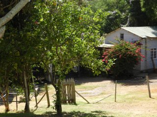 LEMON COTTAGE CONSTANTIA PRIVATE TRANQUIL SELF CATERING